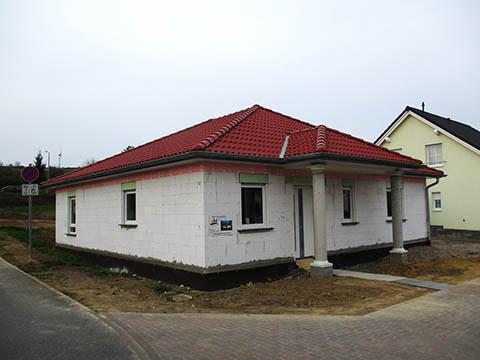 Eingang mit Säulen